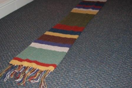 dr-who-scarf-close-up-end