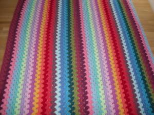 Granny stripe blanket: Round 2