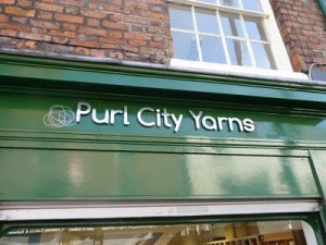 Purl City Yarns sign
